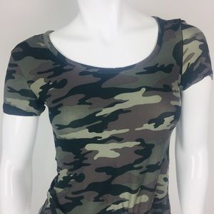 Rue 21 Camouflage Top   Sm